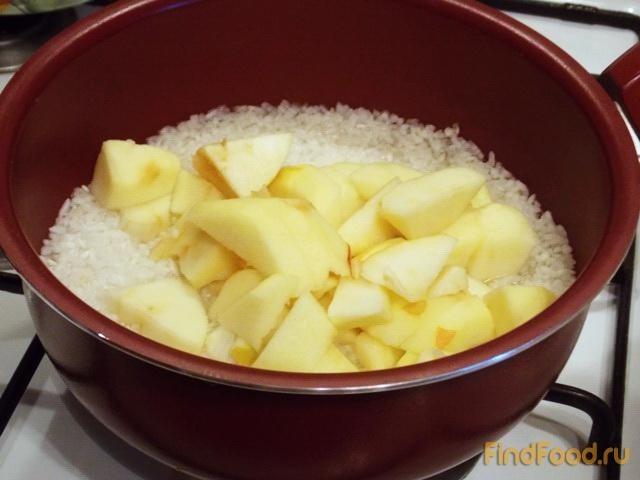 Рисовая каша с яблоками рецепт с фото 3-го шага