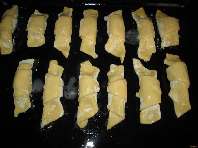 Круассаны с мармеладом рецепт с фото 8-го шага