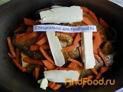 Тушеная рыба с луком и морковью рецепт с фото 11-го шага