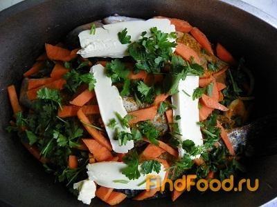 Тушеная рыба с луком и морковью рецепт с фото 13-го шага