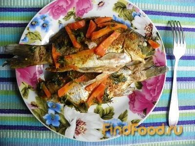 Тушеная рыба с луком и морковью рецепт с фото 16-го шага