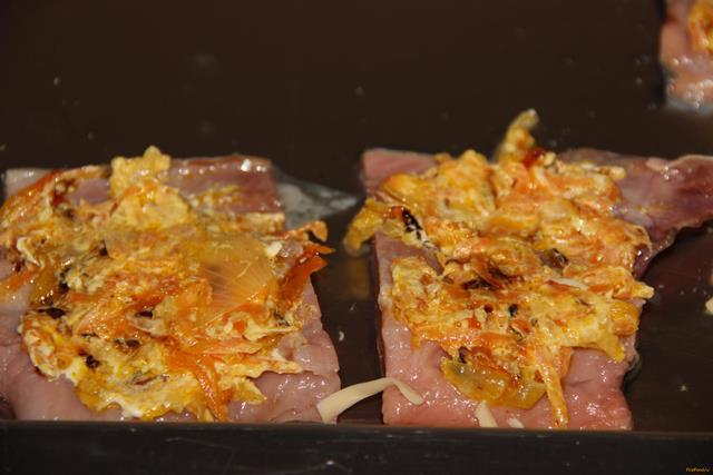 Горбуша с морковью и луком рецепт с фото 8-го шага