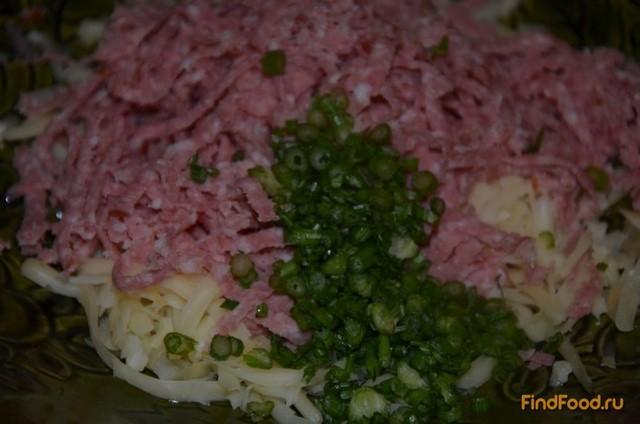 Чебуреки с сырно-колбасной начинкой рецепт с фото 3-го шага