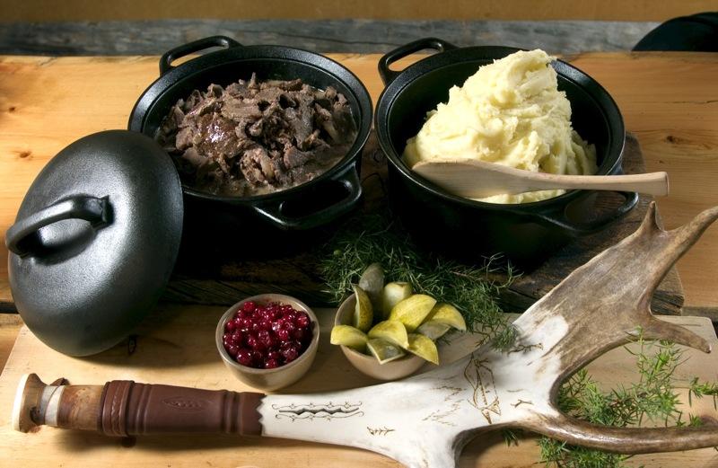 Видео как приготовить ежики из фарша и риса в духовке
