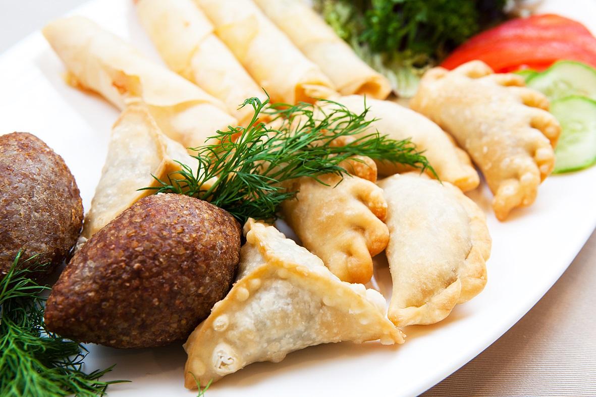 Вкусные рецепты блюд ливанской кухни: табуле; манакиш с сумахом, тимьяном и кунжутом; ливанские тефтели из баранины и многогое другое в домашних условиях.