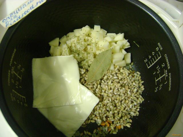 Сырный суп с перловкой рецепт с фото 2-го шага