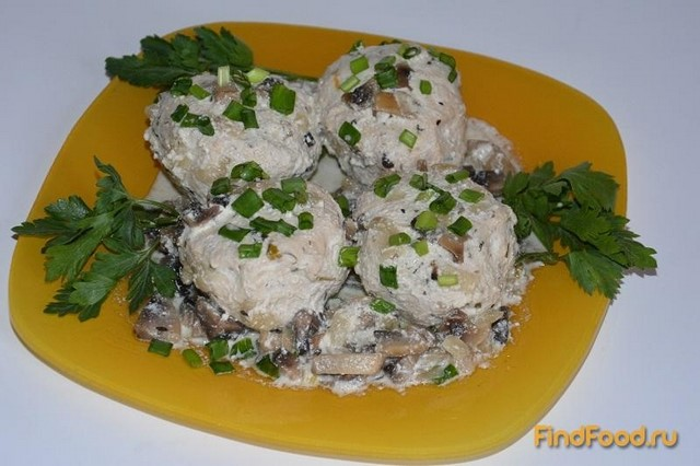 Рецепт Куриные биточки в грибном соусе рецепт с фото