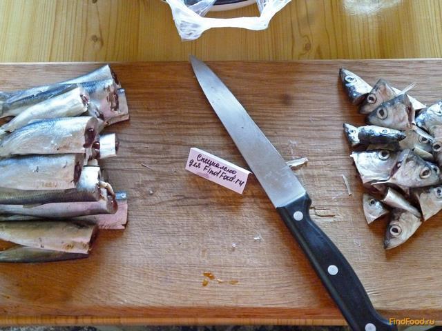 Домашние шпроты из салаки в мультиварке рецепт с фото 2-го шага