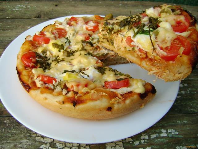 Рецепт Пицца с курицей и перепелиными яйцами в мультиварке рецепт с фото