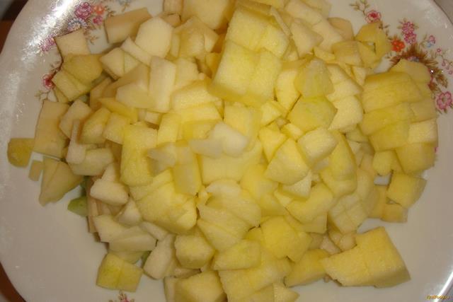 Яблочно-грушевый пирог с сельдереем в мультиварке рецепт с фото 2-го шага