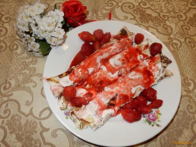 Рецепт Блины с ягодами в сметанном креме рецепт с фото