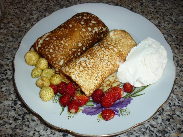 Рецепт Блины с земляникой и мороженым рецепт с фото