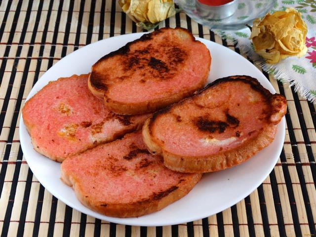 Рецепт Сладкие гренки с вишневым сиропом рецепт с фото