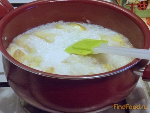 Каша из риса с яблоками в мультиварке