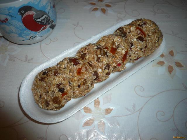 Рецепт Домашние батончики мюсли с изюмом и цукатами рецепт с фото