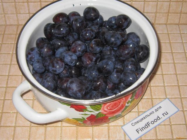 Как закрыть компот из слив с косточками на зиму: фото рецепт