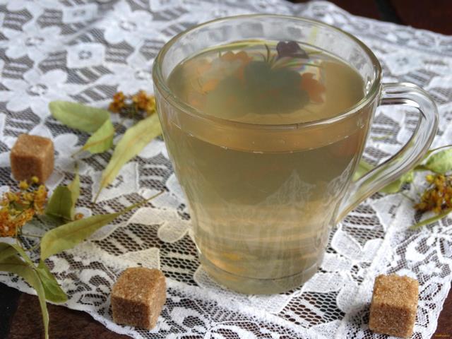 Рецепт Компот из груш и персиков с липой рецепт с фото