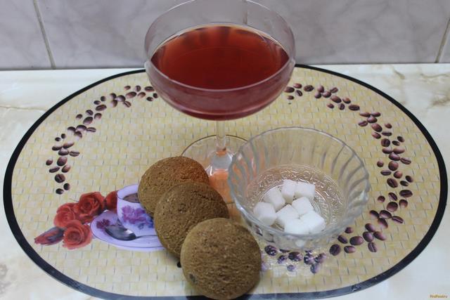 Рецепт Компот из вишни клубники с яблоками и мятой рецепт с фото