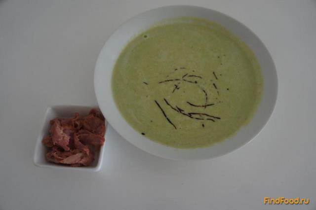 Рецепт Крем-суп из спаржи и цуккини с поджаренным беконом рецепт с фото