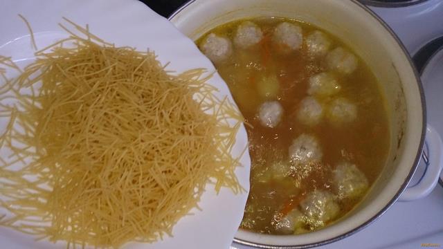 Суп из куриных фрикаделек рецепт с вермишелью