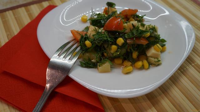 Рецепт Овощной салат с кукурузой и сыром рецепт с фото