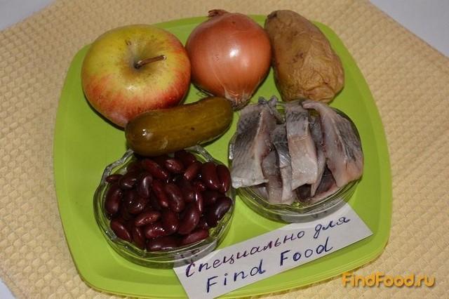 Салат с фасолью и сельдью рецепт с фото 1-го шага