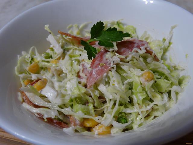 Рецепт Салат с капустой и колбасой рецепт с фото