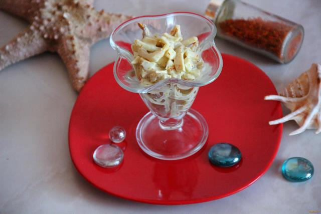 Рецепт Салат с кальмарами и яйцами рецепт с фото