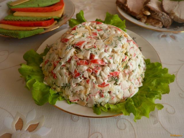 Рецепт Салат с крабовыми палочками и сыром рецепт с фото