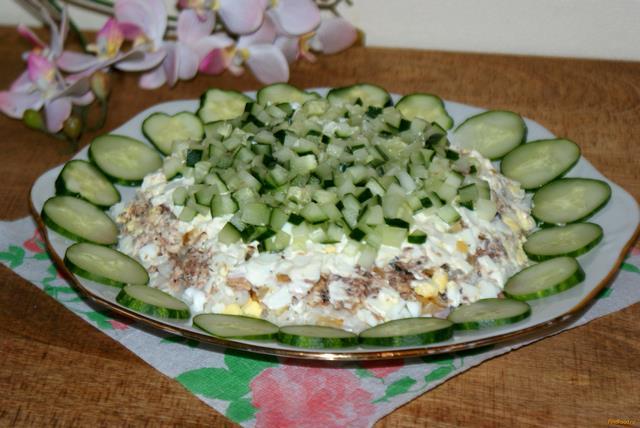 Рецепт Рыбный салат с сайрой рецепт с фото