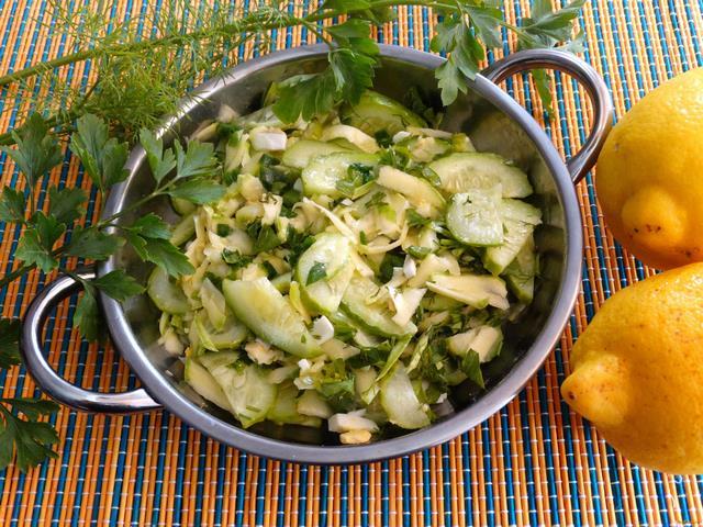Рецепт Огуречно - кабачковый салат с яйцом рецепт с фото