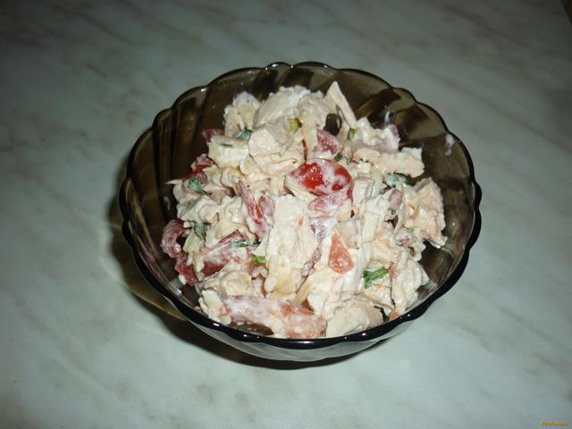 Салат из курицы с чесноком и сыром рецепт с фото 9-го шага