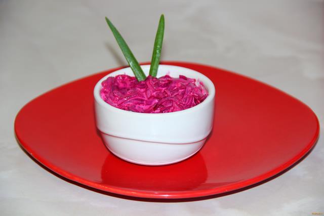 Рецепт Салат из свеклы с чесноком и майонезом рецепт с фото