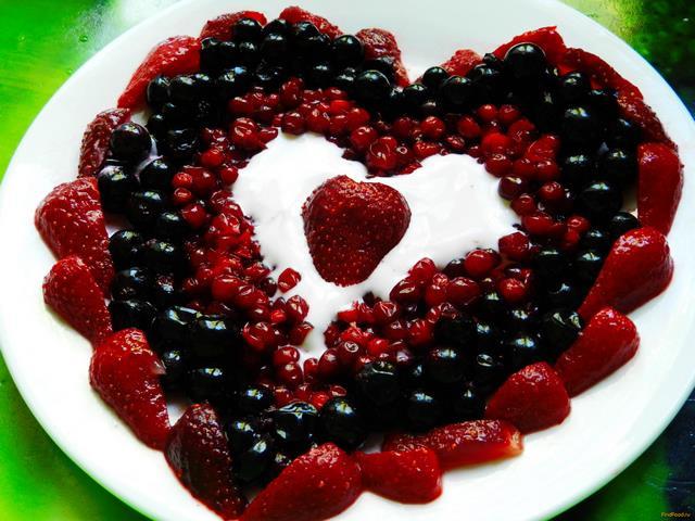 Рецепт Ягодный салат Возьми мое сердце рецепт с фото
