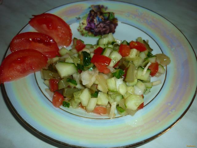 Рецепт Салат из маринованных и свежих огурцов рецепт с фото