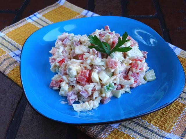 Рецепт Салат с рисом и колбасой рецепт с фото