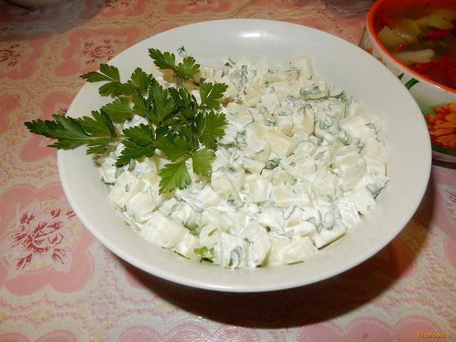Рецепт Салат из огурцов с петрушкой и чесноком рецепт с фото
