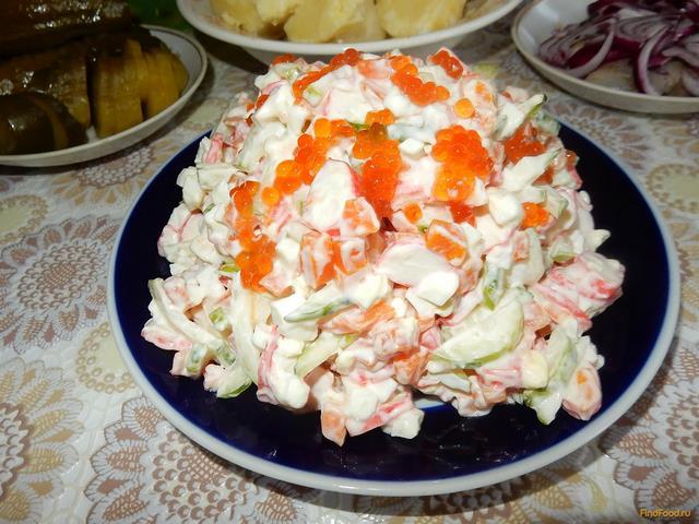Нежный салат с крабовыми палочками рецепт с