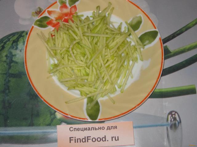 Салат с зеленым яблоком фото