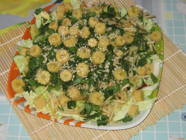 Салат с кукурузой и соленым огурцом рецепт с