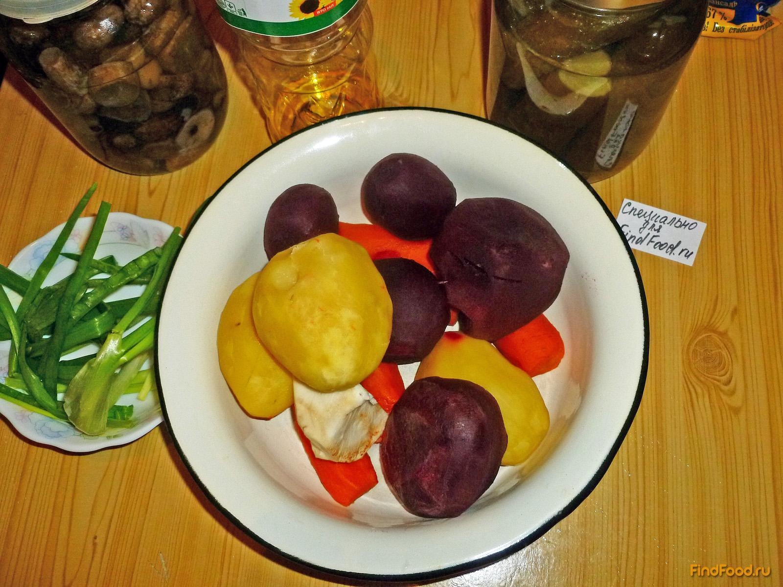 рецепт салата с сельдереем и грибами