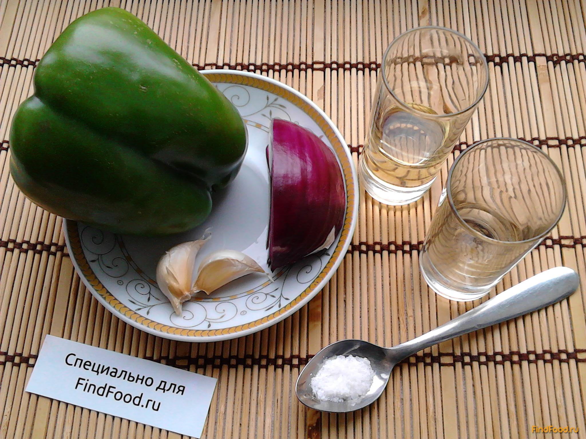 Салат из болгарского перца с луком рецепт с фото 1-го шага