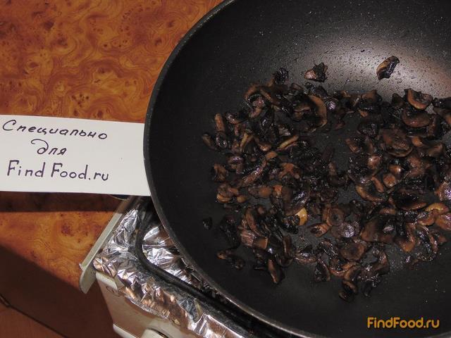 Слоеный салат с шампиньонами рецепт с фото 3-го шага