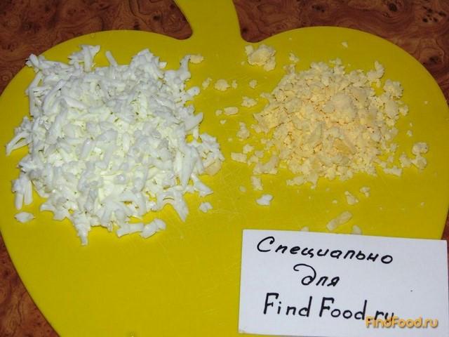 Слоеный салат с шампиньонами рецепт с фото 6-го шага