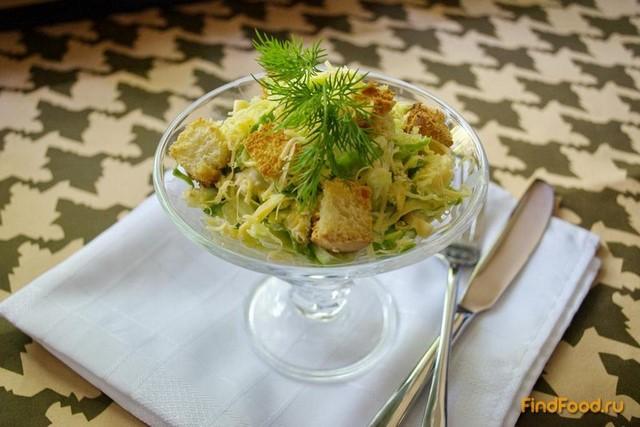Рецепт Овощной салат с курицей и сухариками рецепт с фото