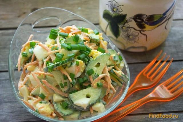 Рецепт Простой салат с огурцом и морковью рецепт с фото