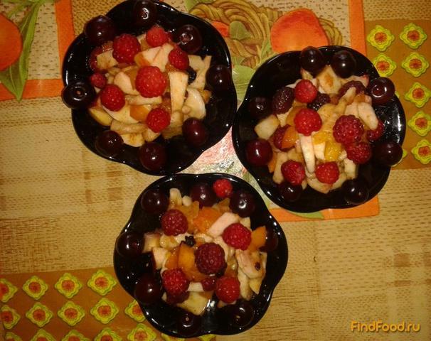 Рецепт Фруктово-ягодный салат Дары лета рецепт с фото