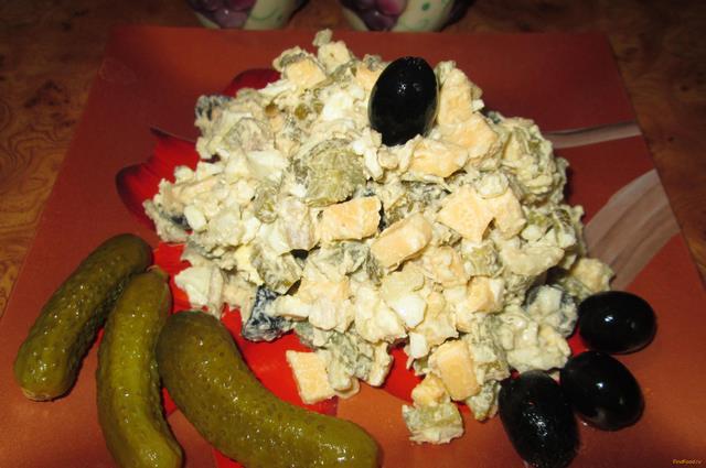 Рецепт Салат с оливками и курицей рецепт с фото