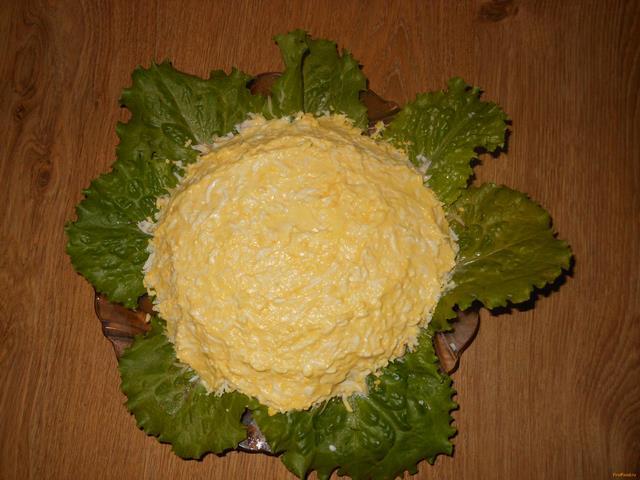 салат сверху виноград рецепт с фото