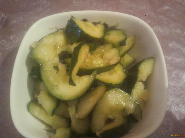 Рецепт Необычный салат из битых огурцов рецепт с фото